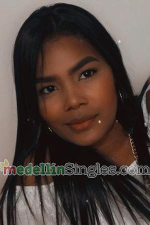 196157 - Maria Age: 22 - Colombia